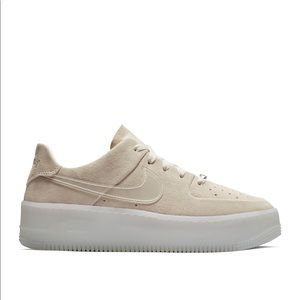Nike Air Force 1 low beige suede - size 7